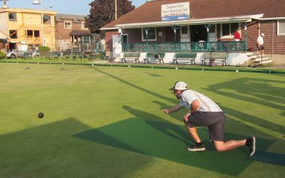 A strategy game for three bowlers, with a challenging twist